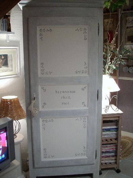 Bonnetiere ancienne peinte - Peindre une porte en bois deja peinte ...